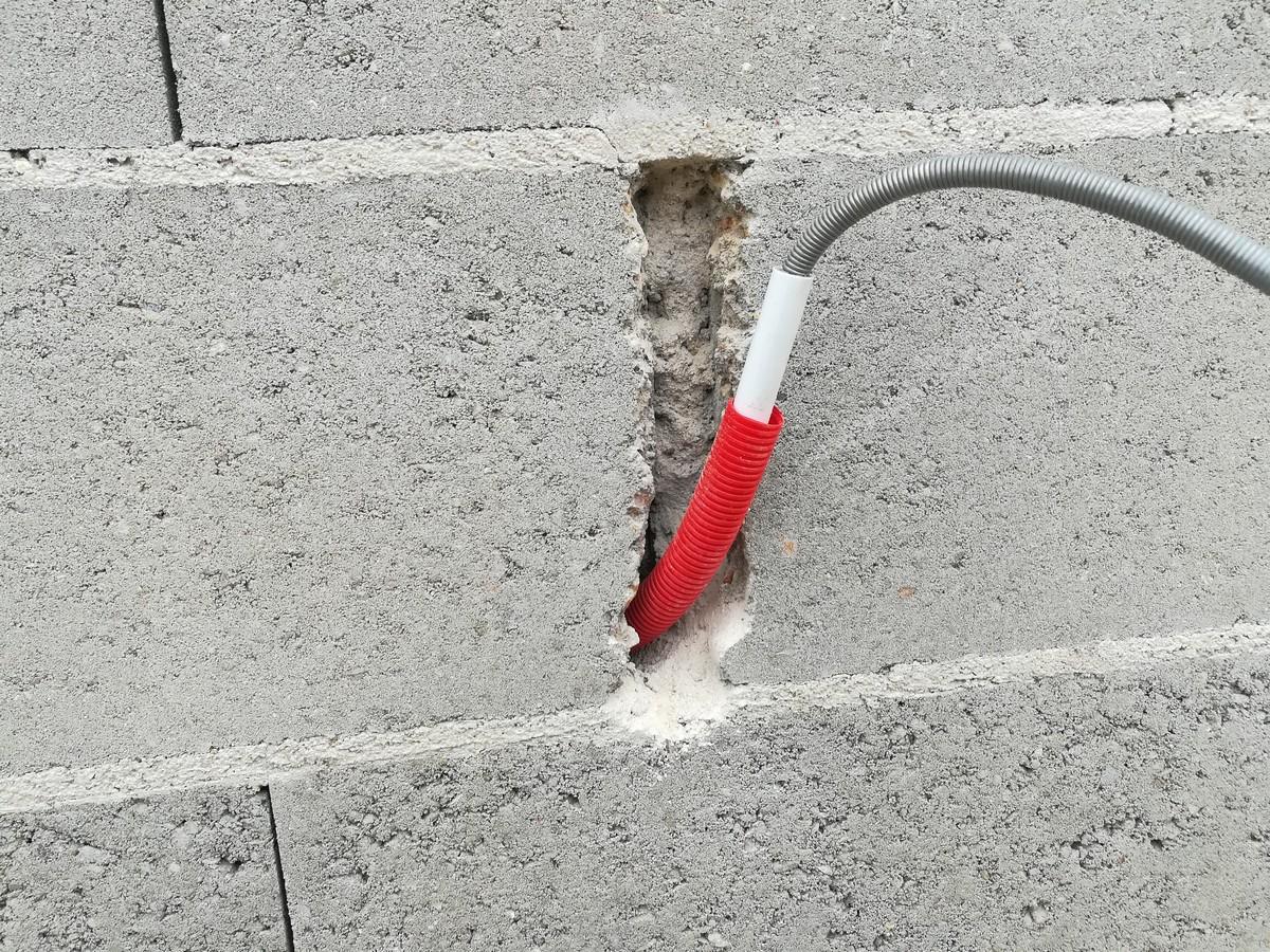 Ajuster le tuyau sans le plier