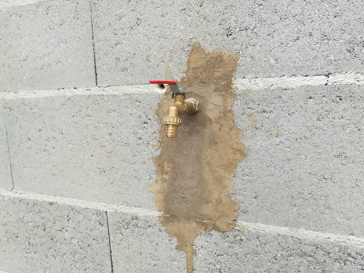 Sceller avec du ciment